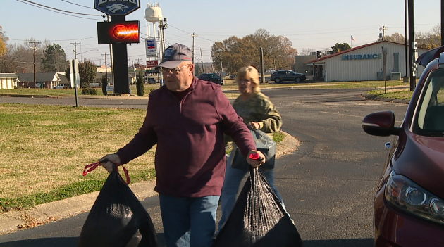Local church makes the holidays a little brighter - WBBJ TV